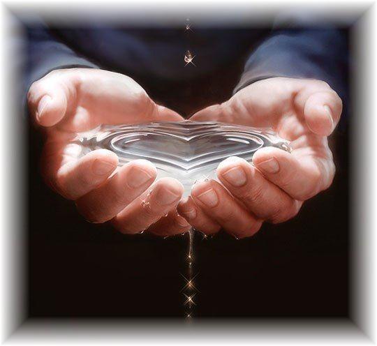 mains-eau-pure-coeur.jpg